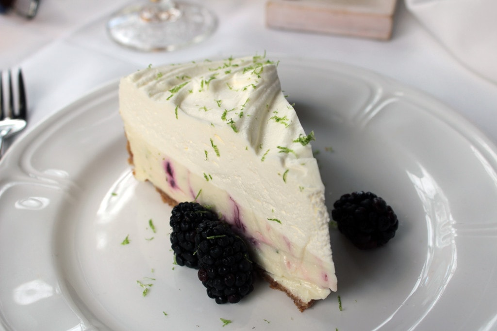 Key lime blackberry pie