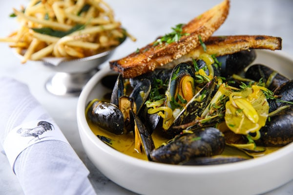 Caronchi_Photography_161006_0299-Mussels-Fries-and-Napkin-1_web